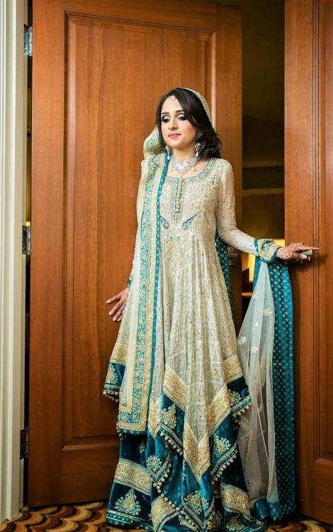 Latest Pakistani dresses for Barat on wedding