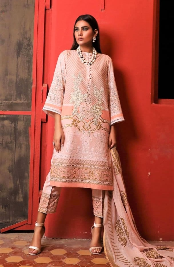 Sana Safinaz Lawn Designs collection