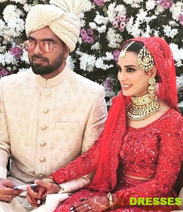 yashir hussain and iqra aziz barat dress