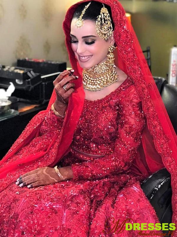 best iqra aziz wedding dress