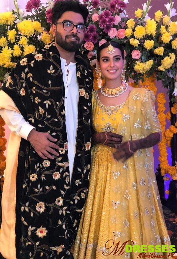 beautiful Iqra Aziz and Yasir Hussain Wedding Mehndi Dresses